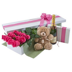 Deluxe Dozen Pink Rose Presentation Box