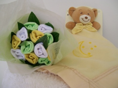 Baby socks posy and blankie yellow baby gifts unisex baby baby socks posy and blankie yellow negle Gallery