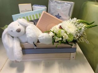 Mum and Bubs Deluxe Hamper (Boy)